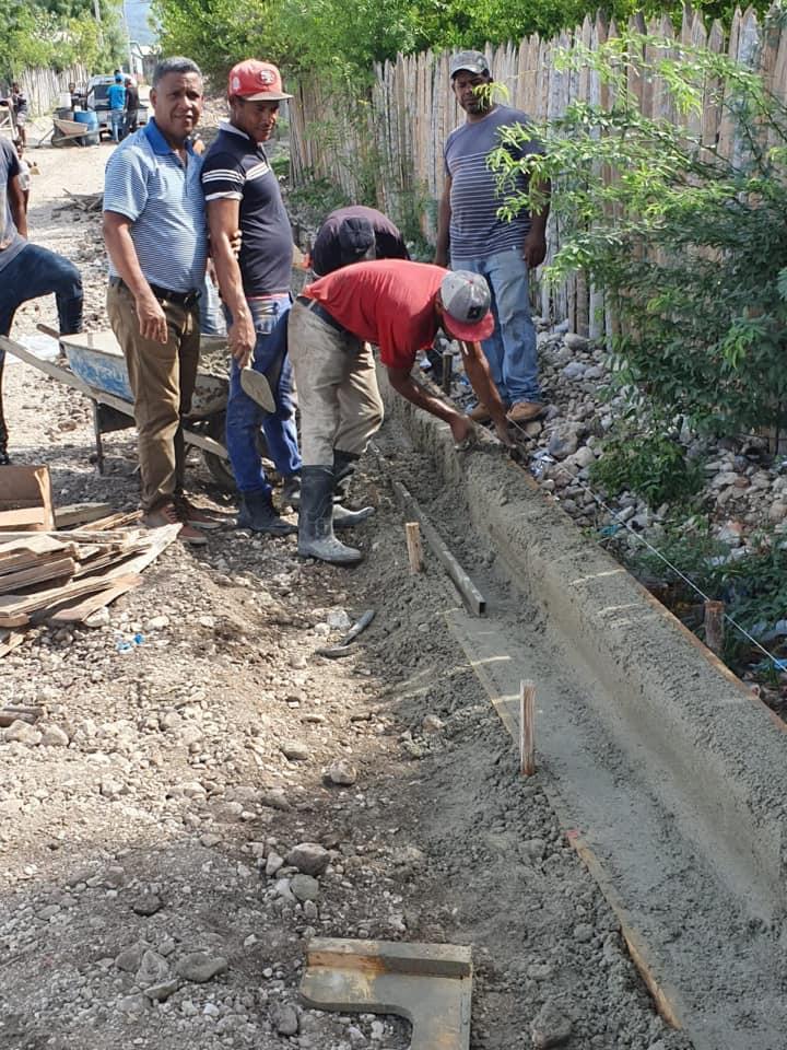 ALCALDÍA CONTINÚA CONSTRUCCIÓN DE CONTENES…