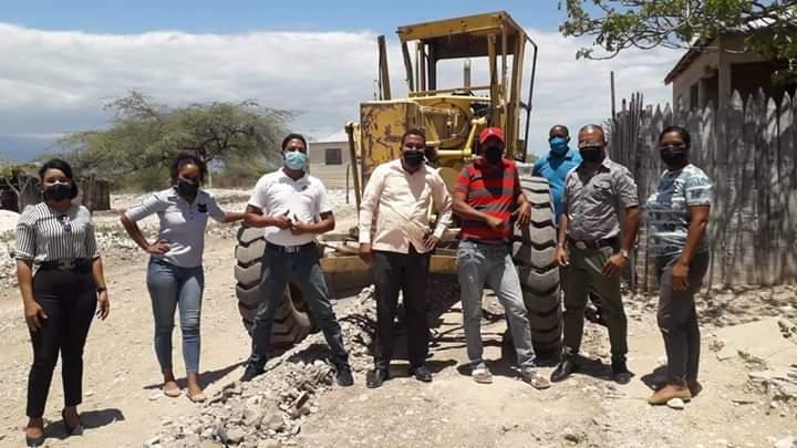 Alcalde Continua Trabajando En El Sector El Tunal Arriba !!!